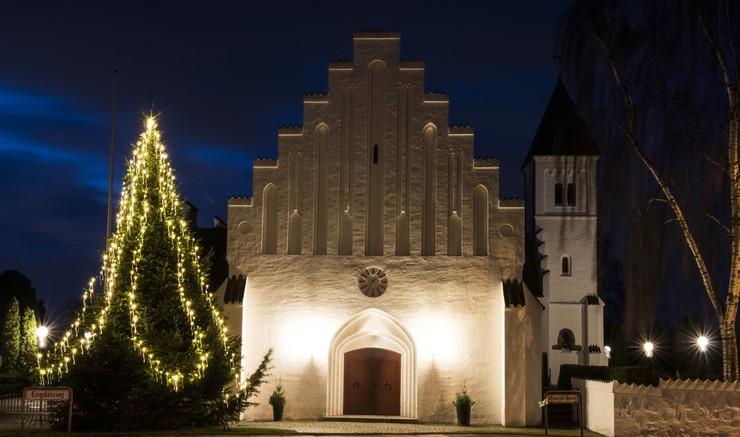 Hvornår kom juletræet ind i kirken? Herrens Veje